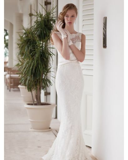 Bateau Neckline Mermaid Wedding Dress in Lace