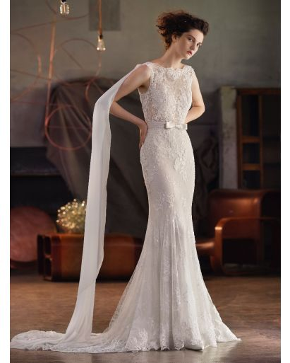 Feminine Boat Neckline Mermaid Wedding Dress in Lace