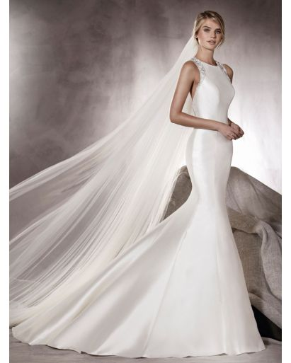 Round Neckline Mermaid Wedding Dress with Gemstone