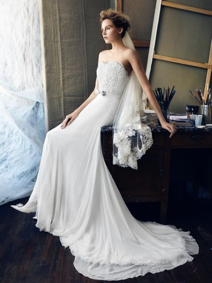 Sweetheart Neckline A-Line Wedding Dress in Chiffon