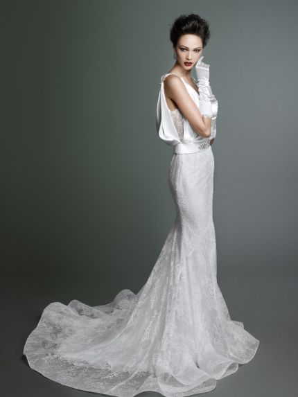 V-Neck Trumpet Wedding Dress in Lace and Silk Satin