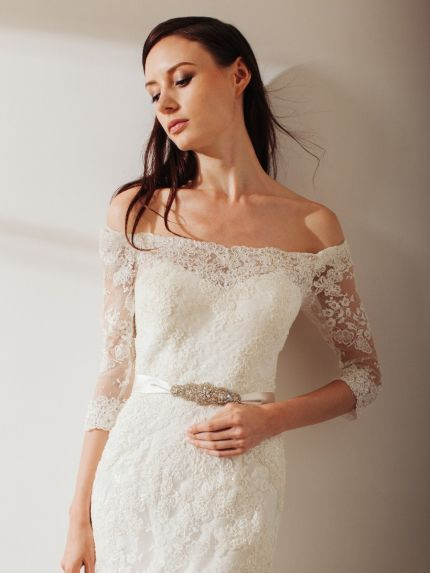 Off-the-Shoulder Neckline Mermaid Wedding Dress