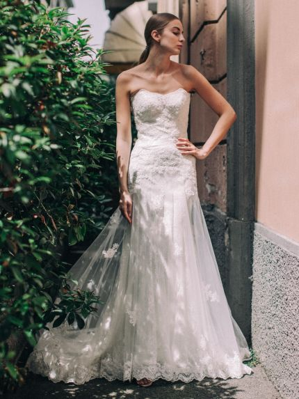 Sweetheart Neckline Trumpet Wedding Dress in Lace