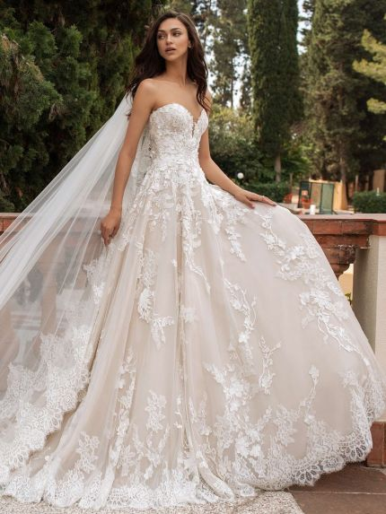 Sweetheart Princess Wedding Dress in Lace