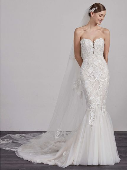Sweetheart Mermaid Wedding Dress with Embroidered Tulle