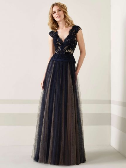 363b5f593196 Pronovias skirt size 12 Gowns at Silk in 2019 t