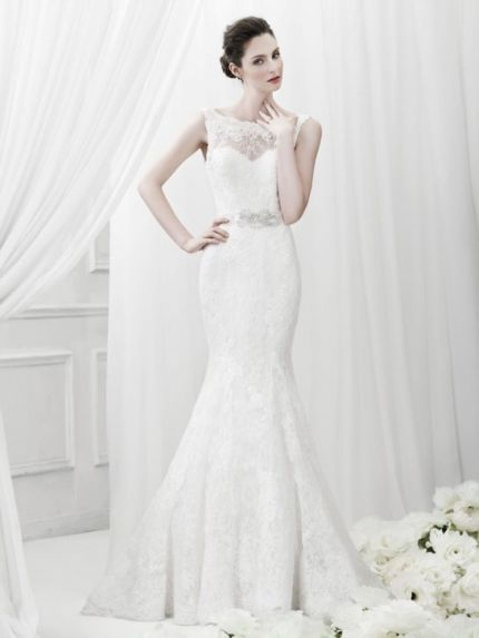 Boat Neck Mermaid Wedding Dress in Lace
